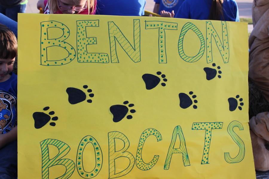 Benton Elementary School shows their support