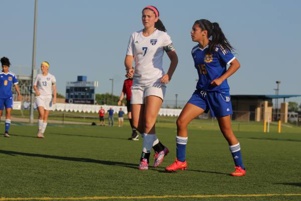 Emmy Rodriguez gets ready to receive throw-in