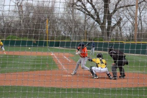 Olathe East batter hits a grand slam in game 1 of the doubleheader