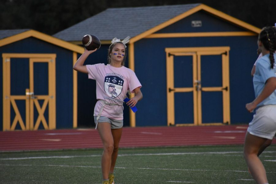 Juniors Beat Seniors in PowderPuff Football Game